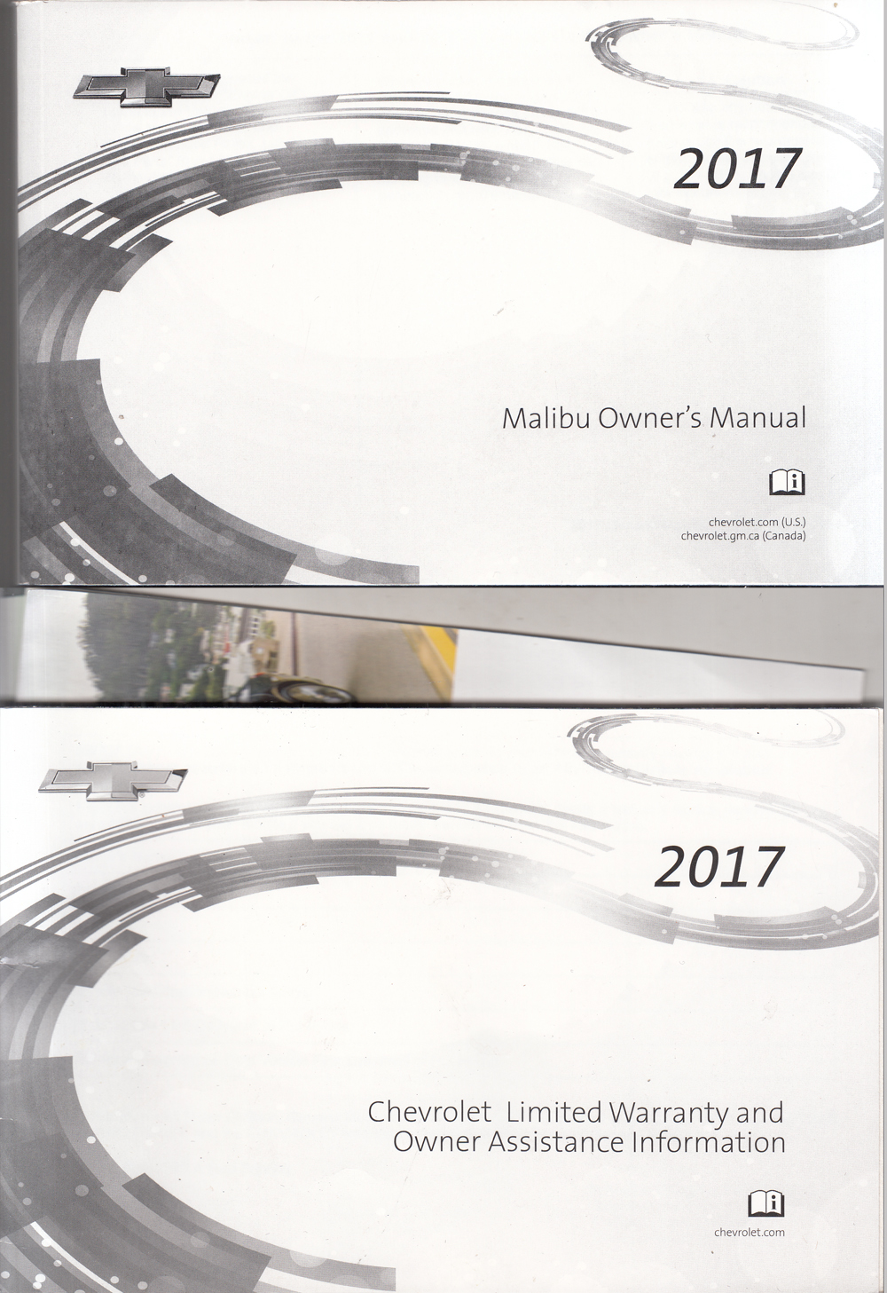 2017 Chevrolet Malibu Owners Manual with Pamphlets Original